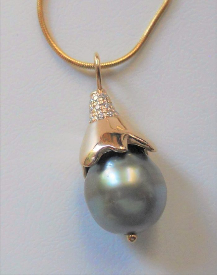 Tahitian black pearl with 14k gold cap, diamond accents; 14k gold snake chain